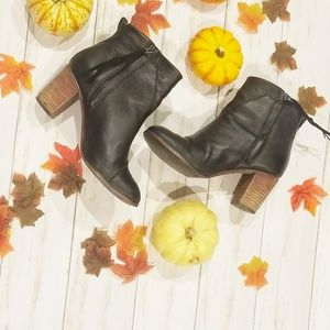 TOMS BLACK LEATHER ANKLE BOOTIES 8.5